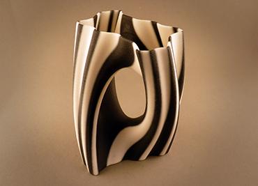 Julia Vase 002 Yin Yang
