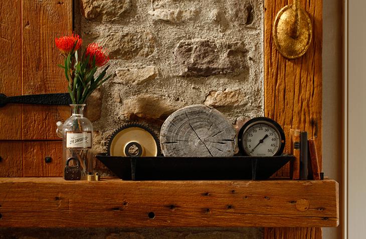 Ashli Mizell-Living Room Mantle_0501 FINAL Credit Jason Varney